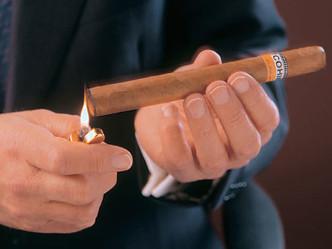 3-2:火をつけて喫煙、葉巻の火の付け方
