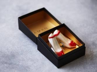 アマン東京|苺とシャンパンが香るハイヒール型チョコレート